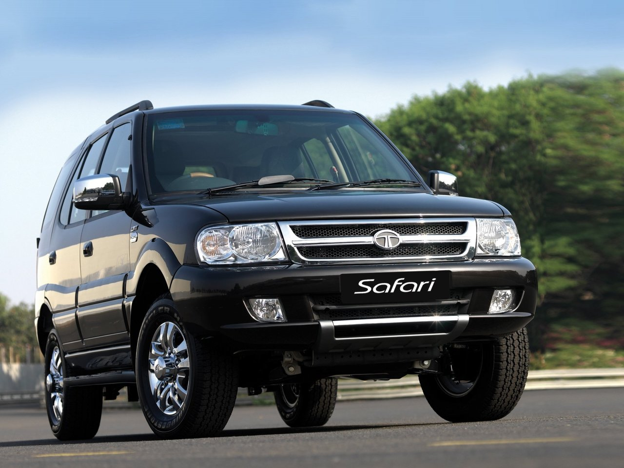 Автомобиль TATA Safari
