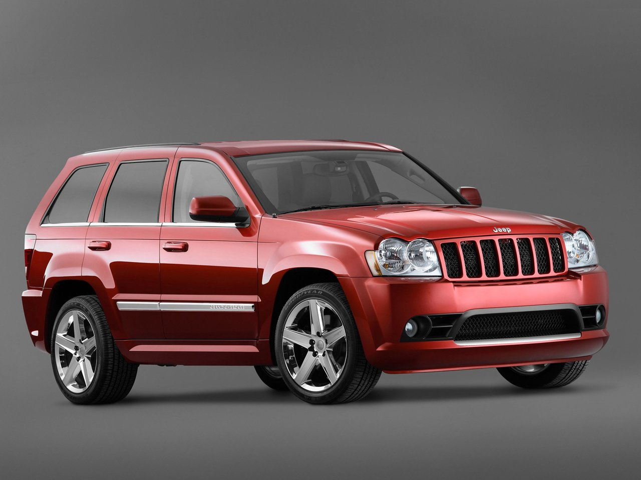 Автомобиль Jeep Grand Cherokee SRT8