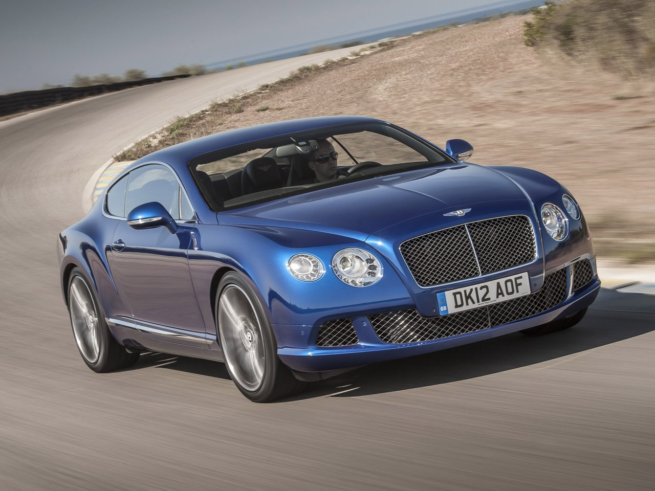 Автомобиль Bentley Continental GT