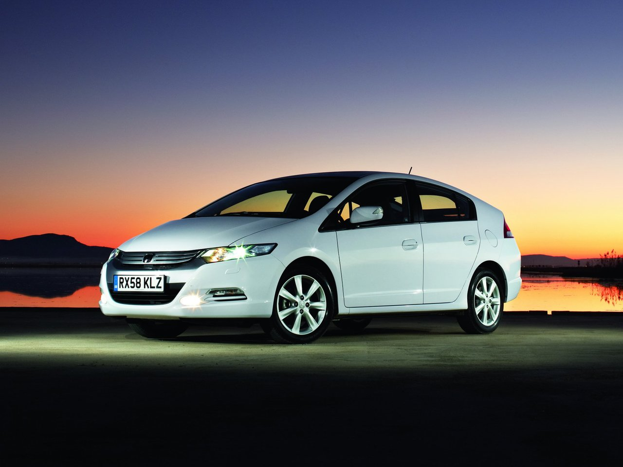 Автомобиль Honda Insight
