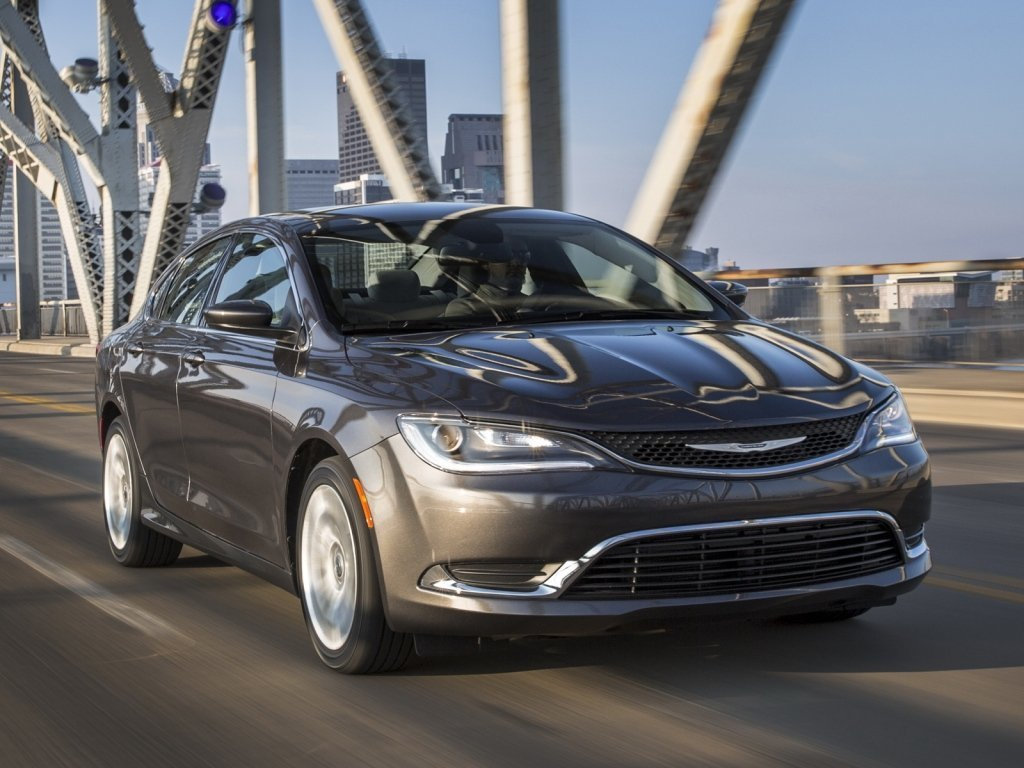 Автомобиль Chrysler 200