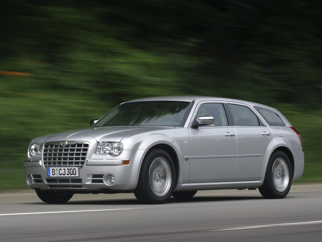 Автомобиль Chrysler 300C