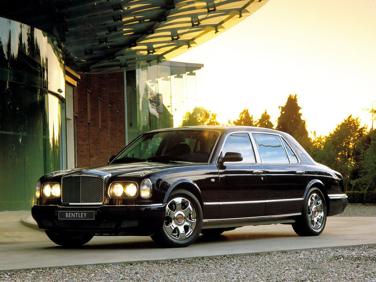 Автомобиль Bentley Arnage