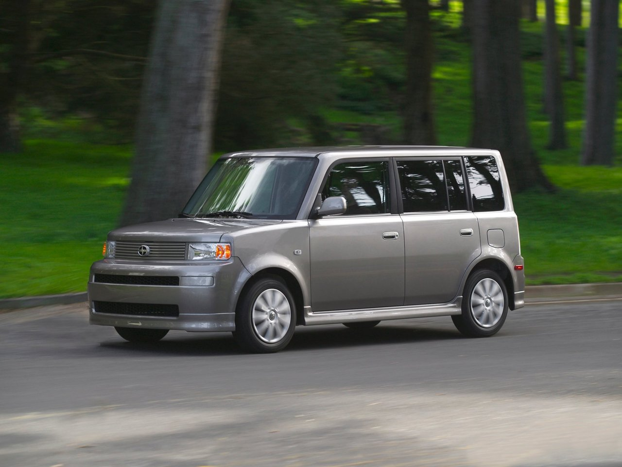 Автомобиль Scion xB