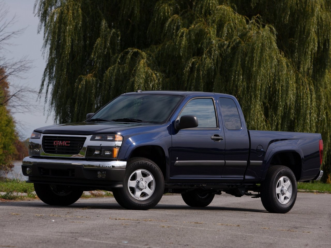 Автомобиль GMC Canyon