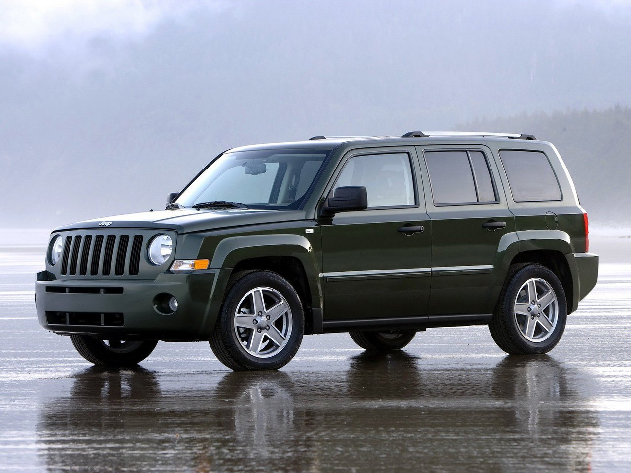 Автомобиль Jeep Liberty (Patriot)