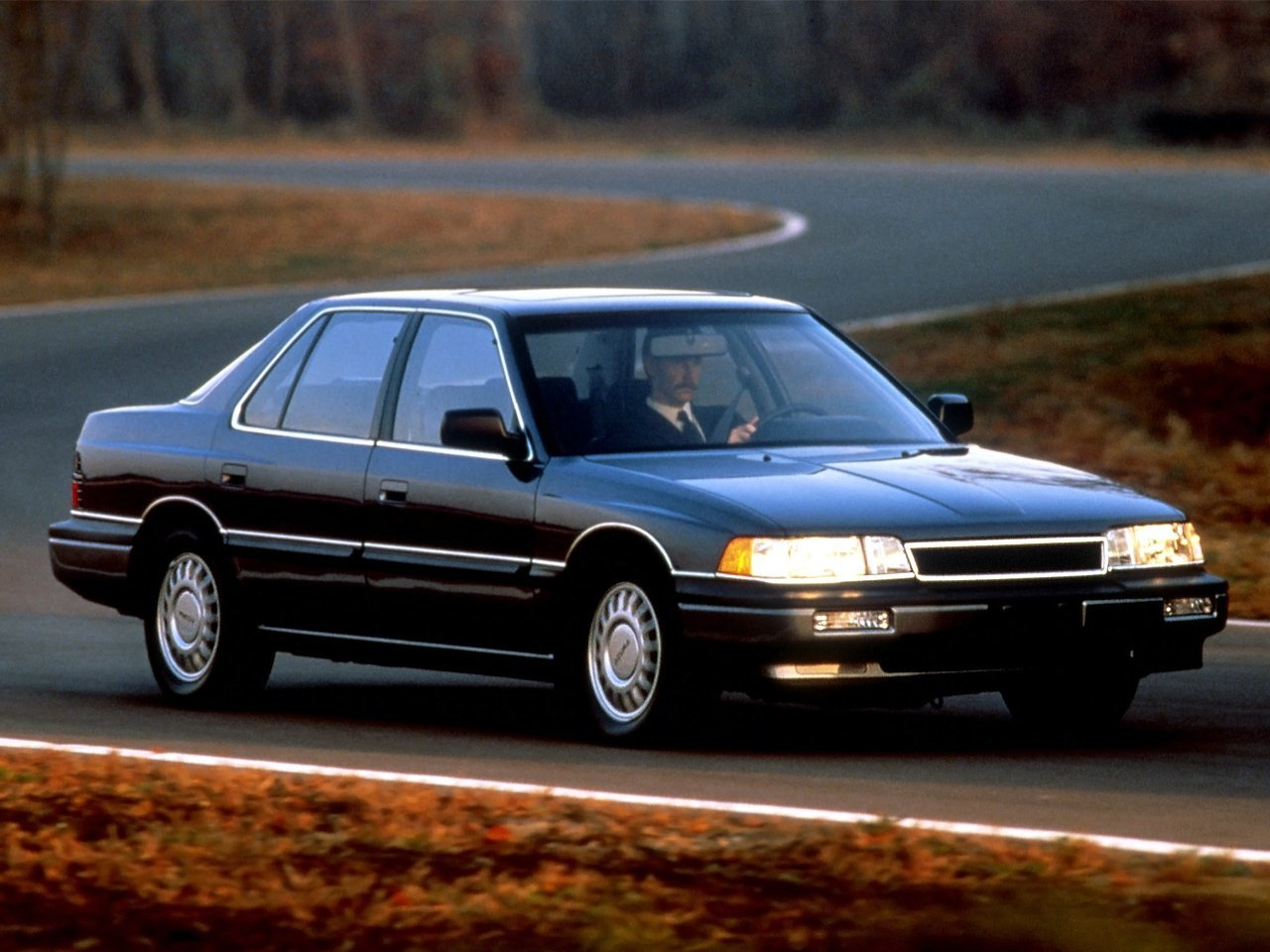 Автомобиль Acura Legend