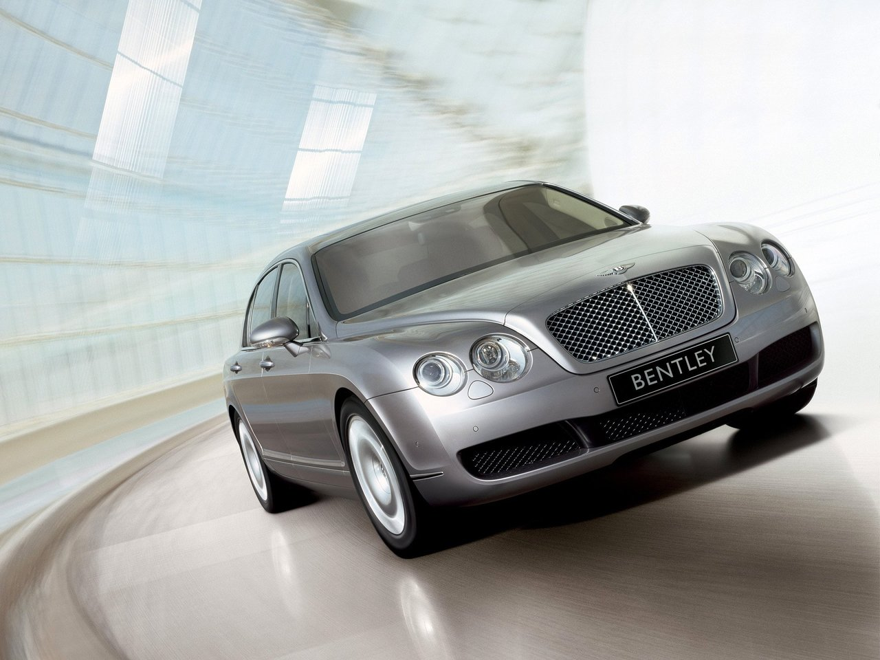 Автомобиль Bentley Continental Flying Spur