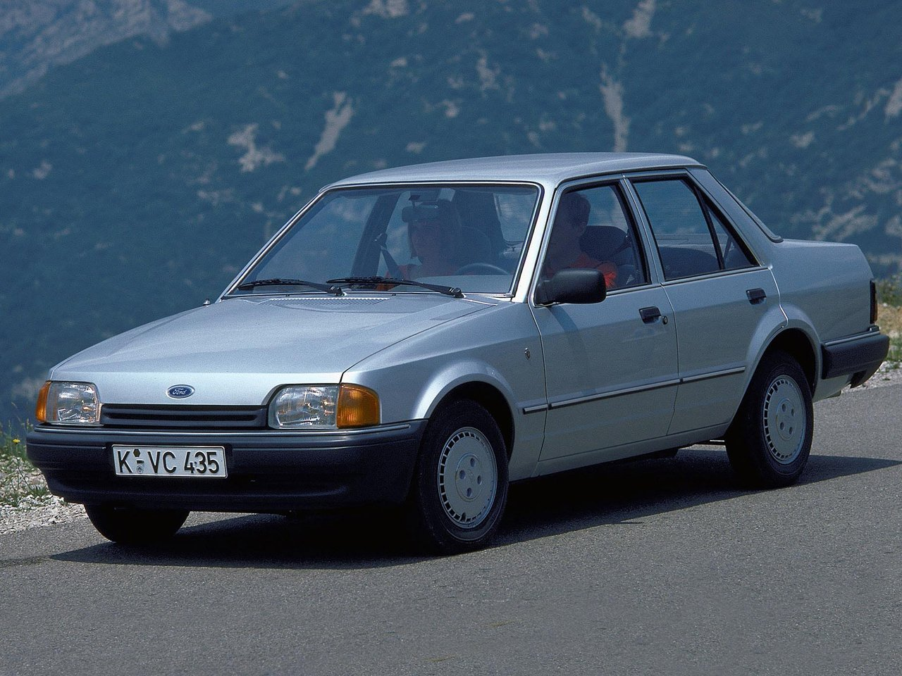 Автомобиль Ford Orion