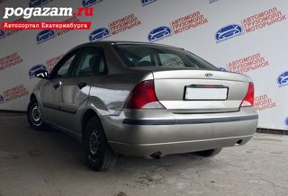 Ford Focus, Седан 2003
