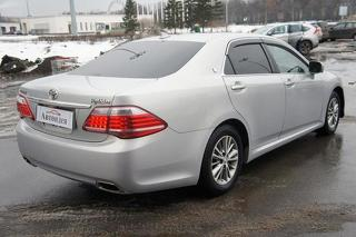 Toyota Crown, Седан 2012