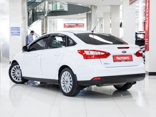 Ford Focus, Седан 2012