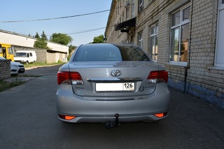 Toyota Avensis, Седан 2012